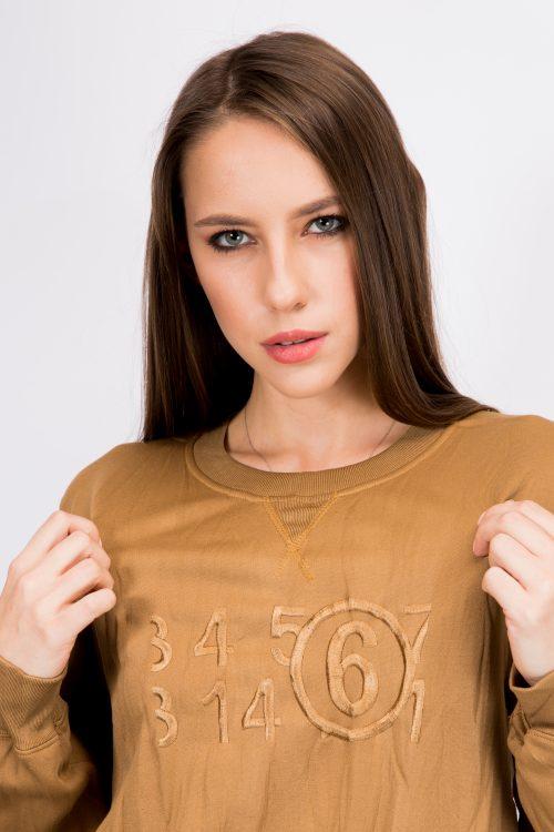 mm6-maison-margiela-knot-detail-sweatshirt