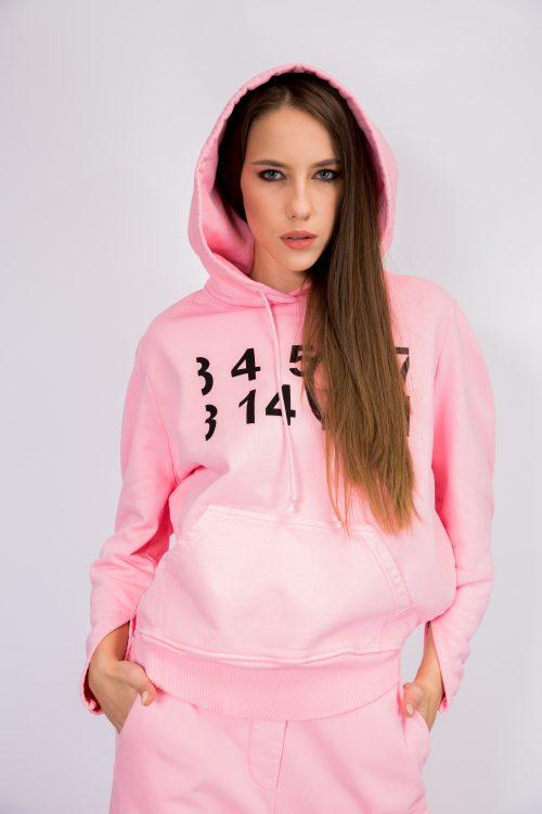 mm6-maison-margiela-logo-hoodie