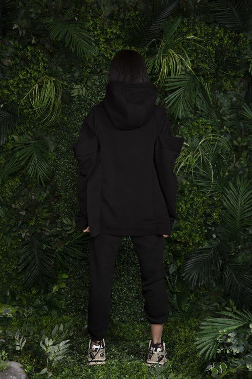 black-hoodie-black-pants
